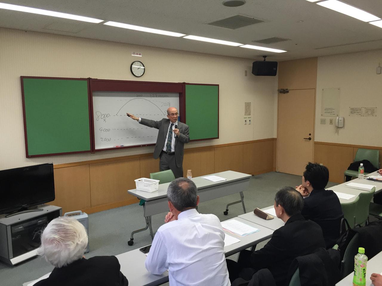 講師 特定社会保険労務士 海田正夫先生