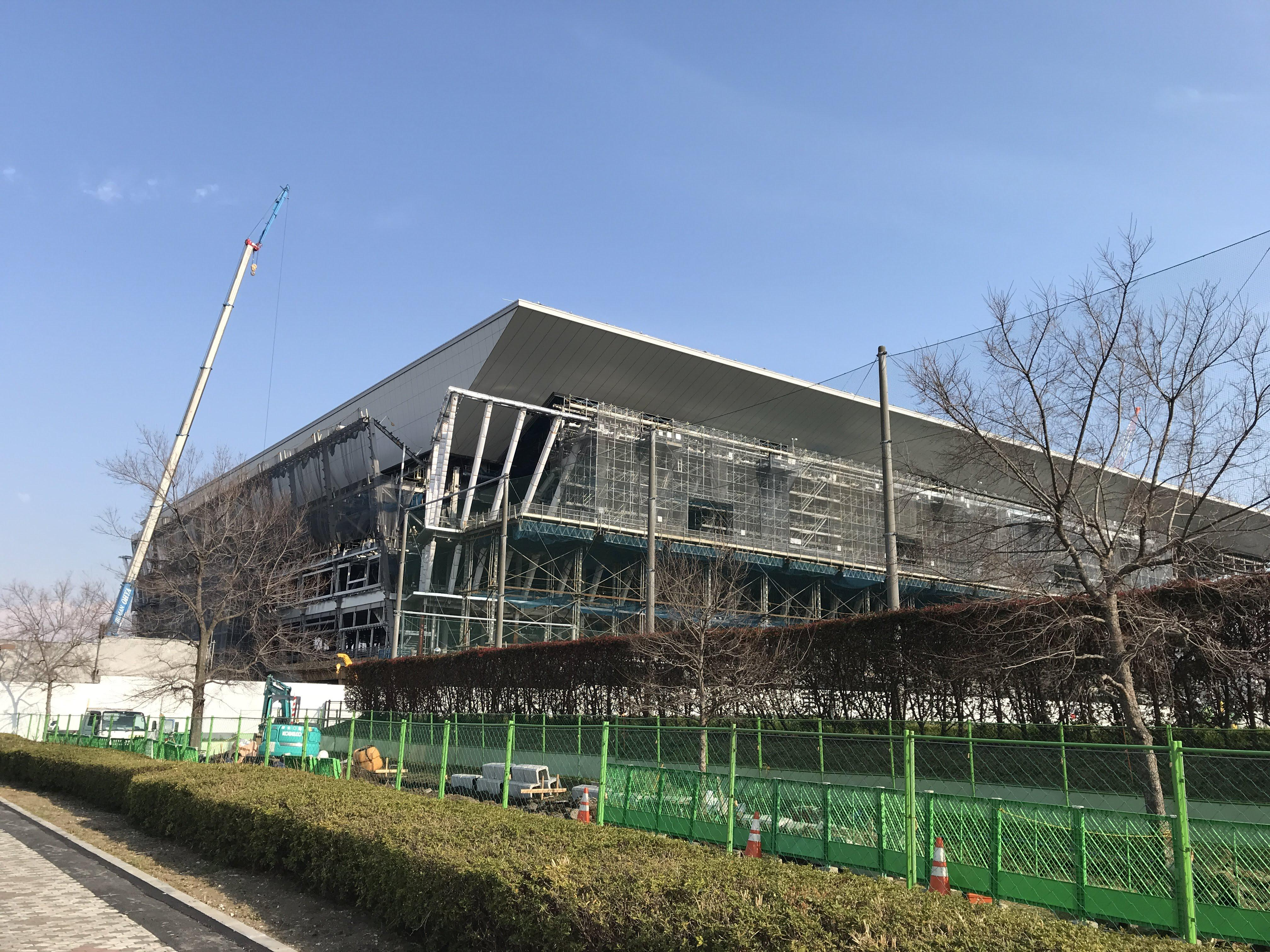 建設中東京アクアティクスセンター